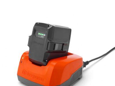 Chargeur de batterie pour matériel portatif
